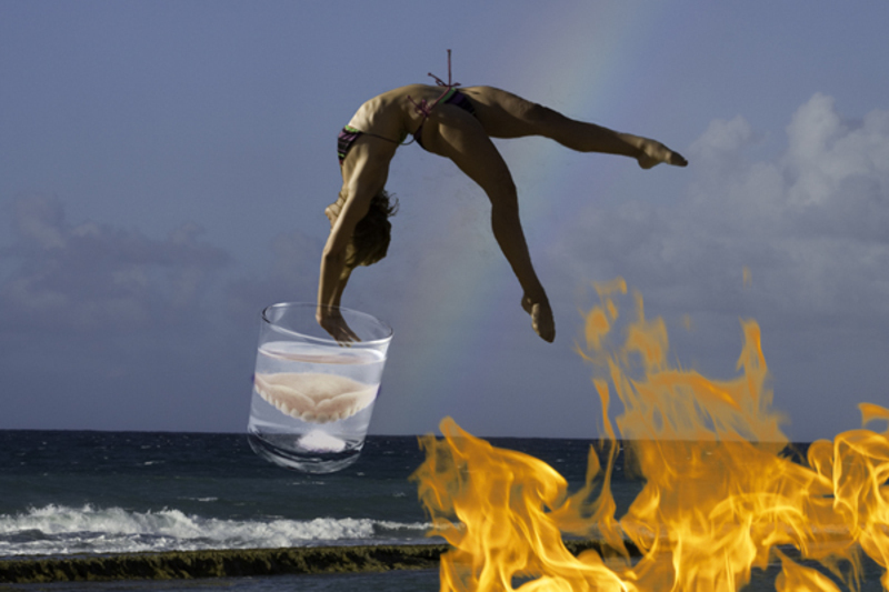 Flying_gymnast_on_fire